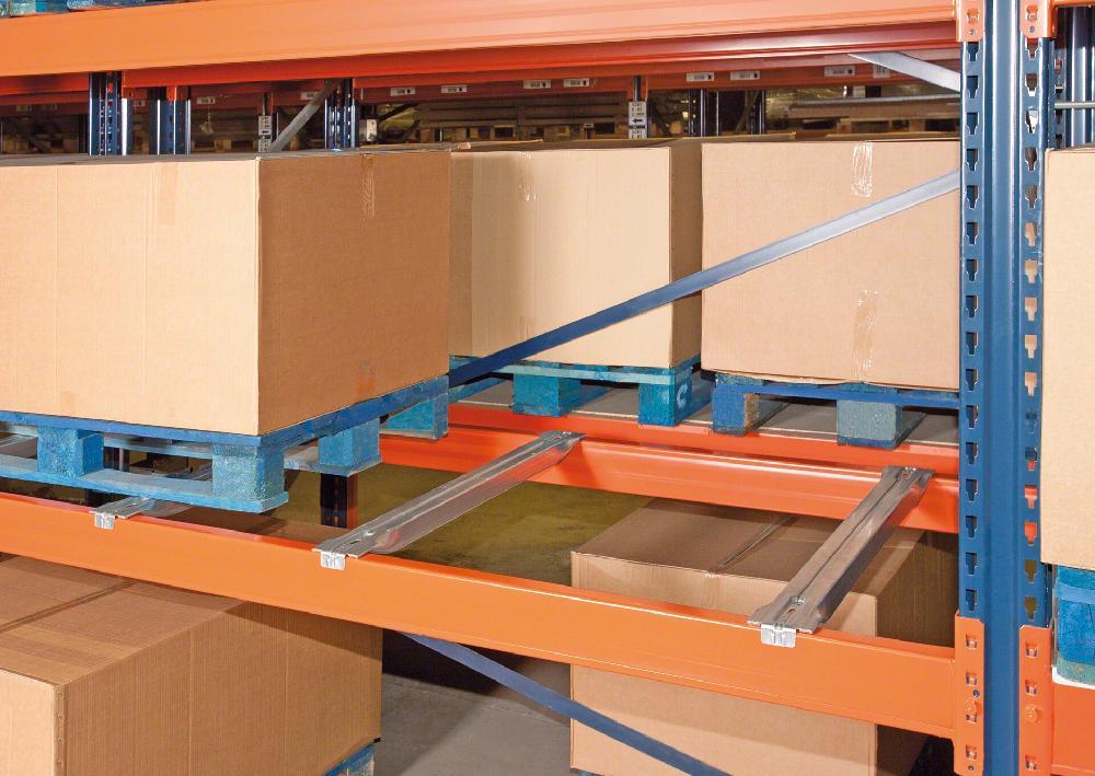 traverses-stocker-palettes-patins-paralleles-lisse.1.1