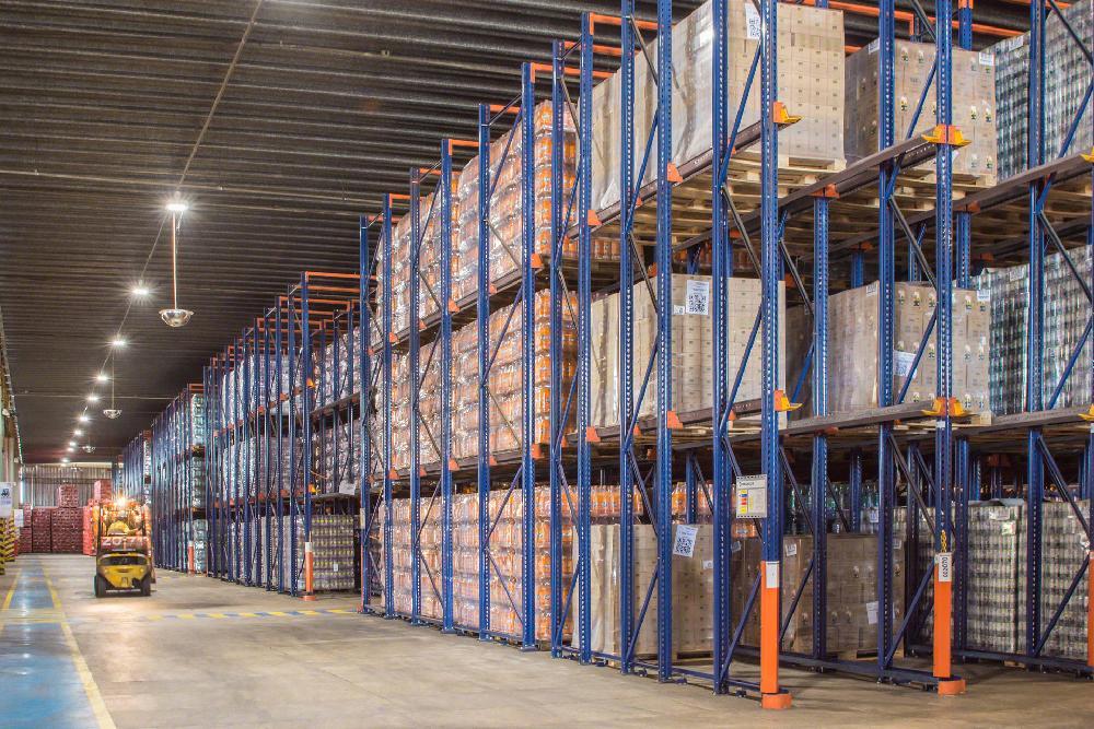 Le système drive-in augmente considérablement la capacité de stockage de l'installation