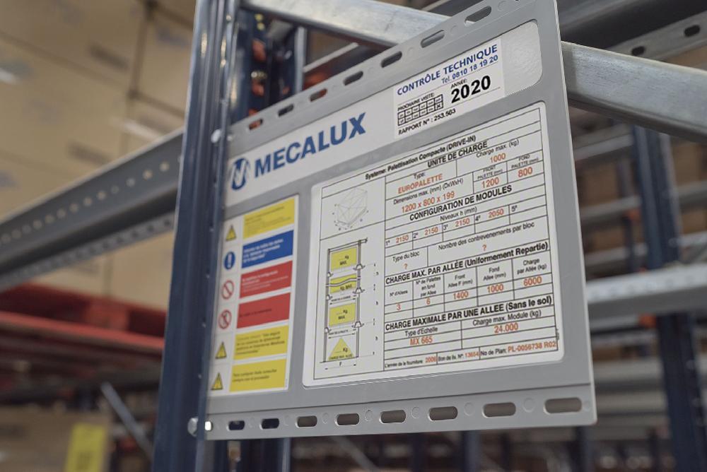 L'entrée des entrepôts de stockage par accumulation doit disposer d'un signalisateur où les données techniques de l'installation sont indiquées